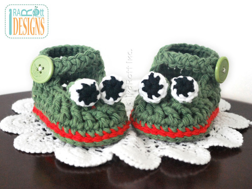 Frog Animal Baby Booties Crochet Pattern for baby boys and girls by IraRott