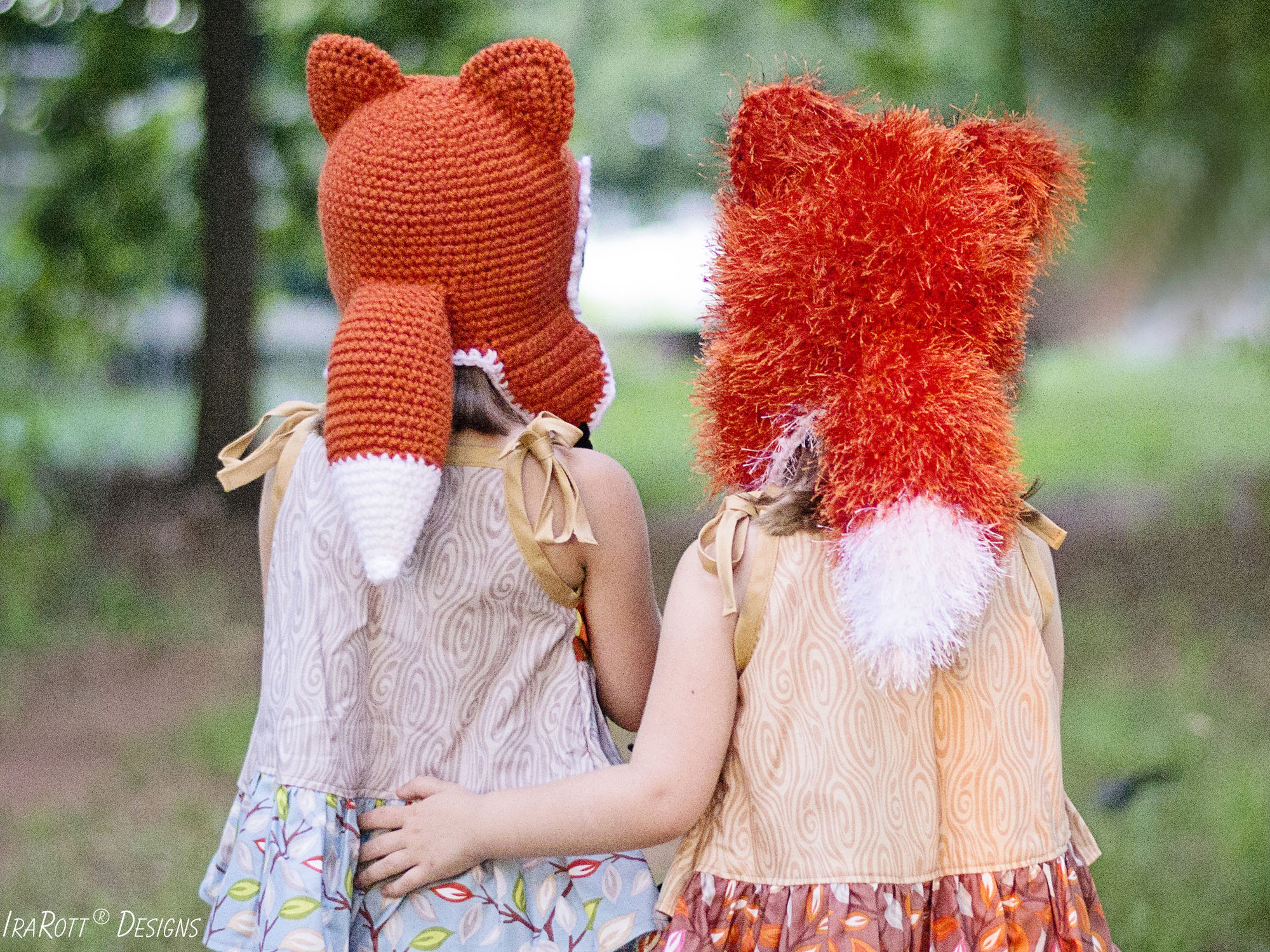 FREE crochet pattern for making an adorable fox animal tail for hat or pants