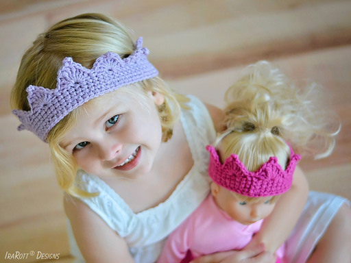 Free PDF Crochet Pattern for making a beautiful crown for a Princess Girl, includes all sizes.