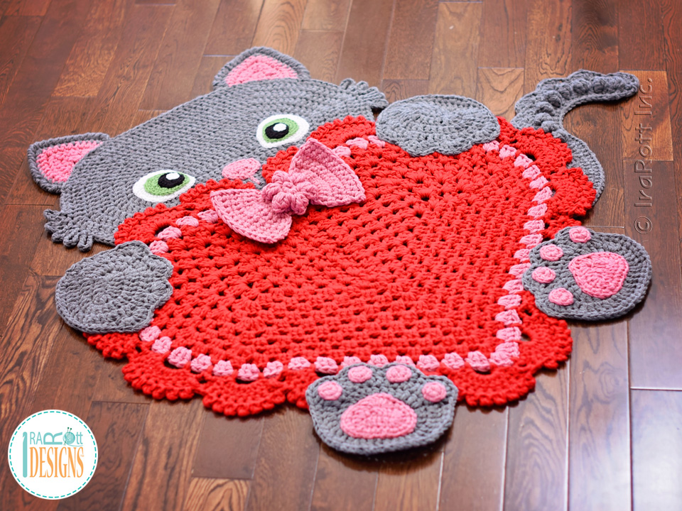 Sassy the Kitty Cat Heart Rug PDF Crochet Pattern - IraRott Inc.